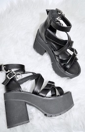 CROSS-BELTED BLACK SANDALS
